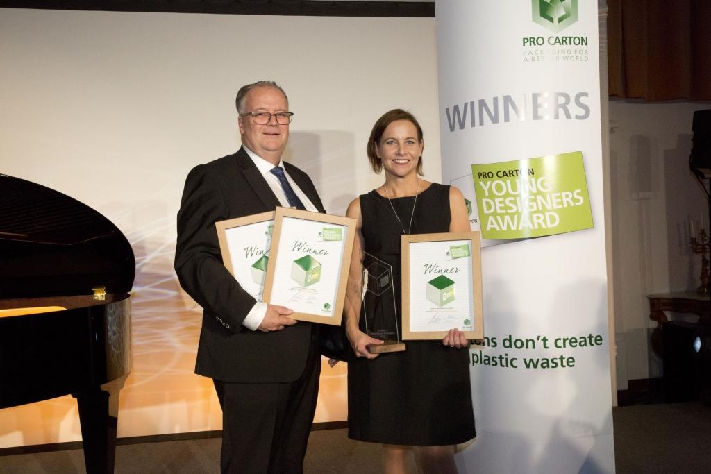 Mats Ohlson y Marie Falk recogen el premio de creación de envases y embalajes de cartón