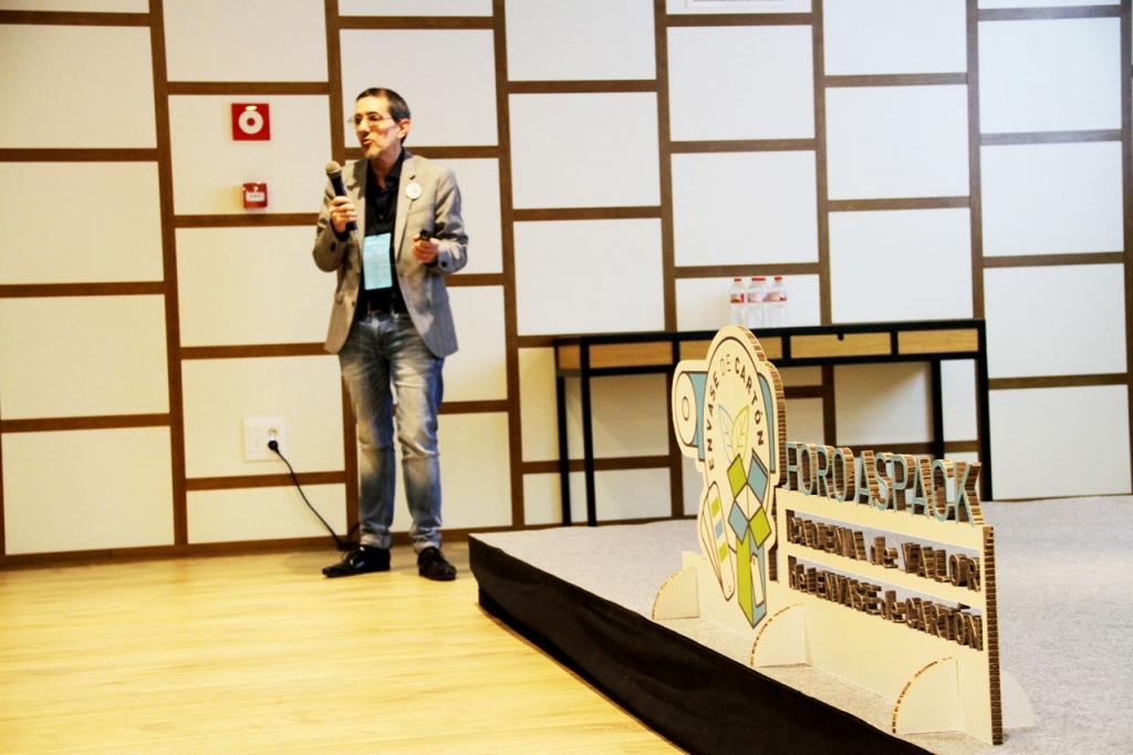 Ángel Pérez, director de comunicación y marketing de Heidelberg, presentó el caso de éxito de la empresa Cideyeg.