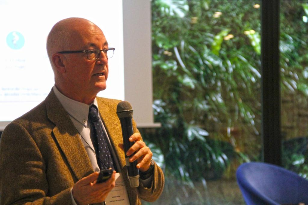 Miguel Morán, director del mercado de cartón para España y Portugal en APP, durante su presentación.