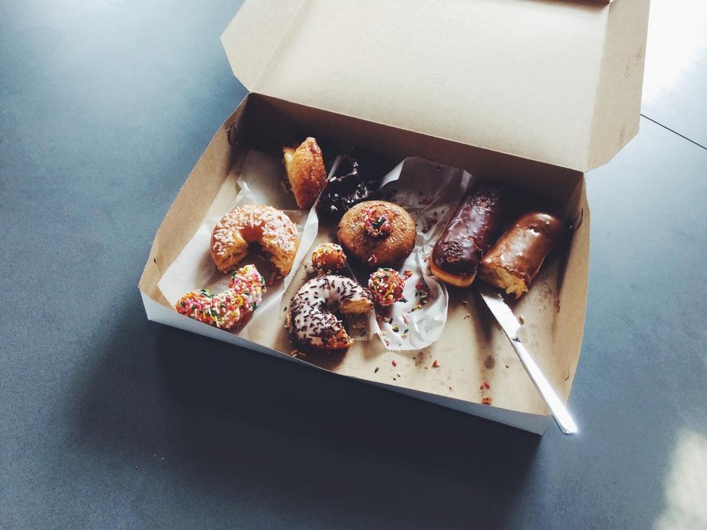caja donuts